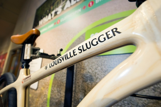 56914 Louisville Slugger Museum & Factory TOPPS Gallery Exhibit